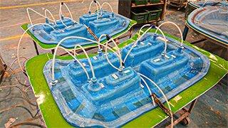 membrana de silicone fabricando quatro farois de caminhao em um molde