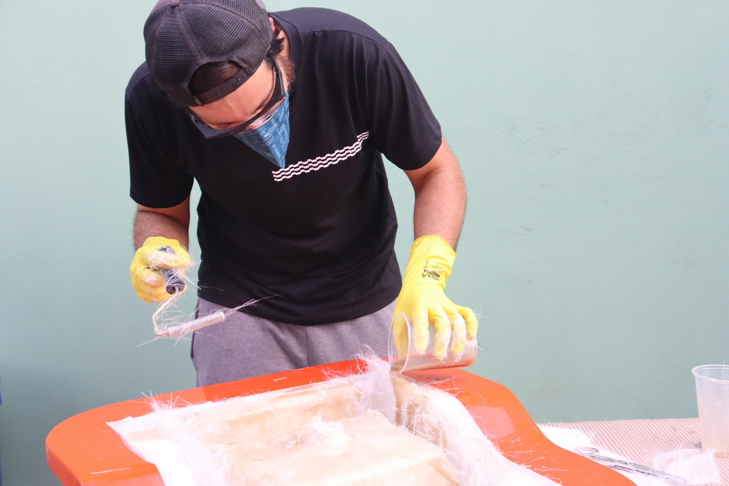 laminador de fibra de vidro processo de laminação manual